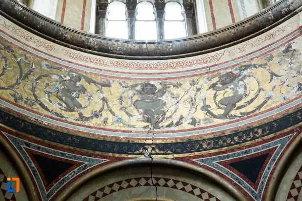 motive-decorative-din-mausoleul-familiei-filisanu-din-filiasi-judetul-dolj.jpg