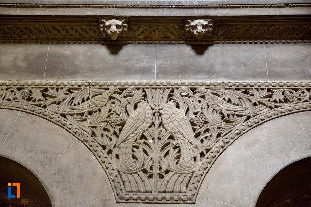 motive-sculptate-catedrala-ortodoxa-a-vadului-feleacului-si-clujului-din-cluj-napoca-judetul-cluj.jpg