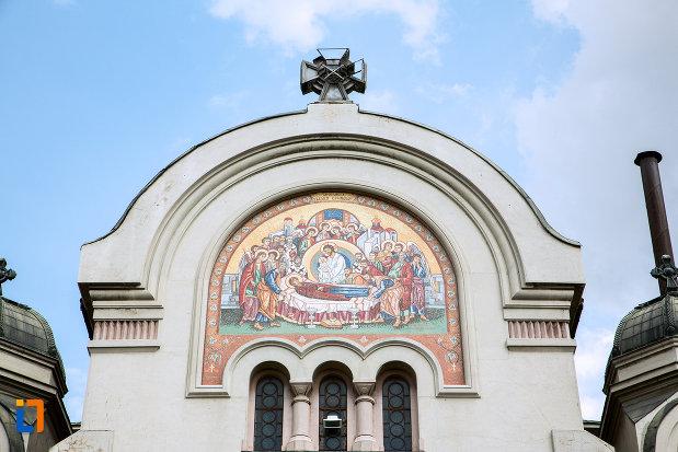 mozaic-de-pe-biserica-adormirea-maicii-domnului-din-craiova-judetul-dolj.jpg