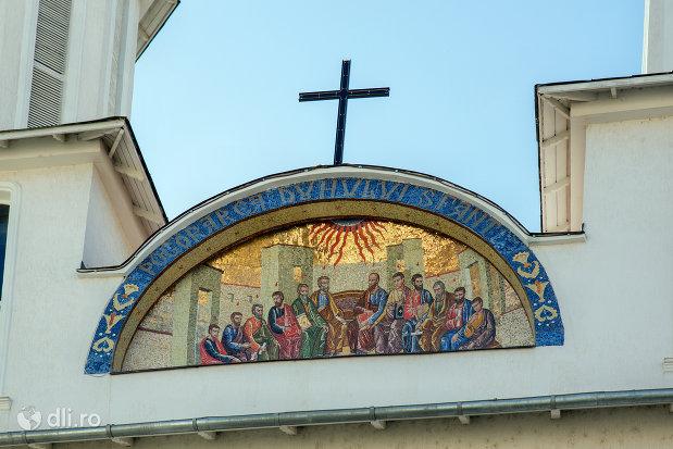 mozaic-de-pe-biserica-ortodoxa-pogorarea-sfantului-duh-din-zalau-judetul-salaj.jpg