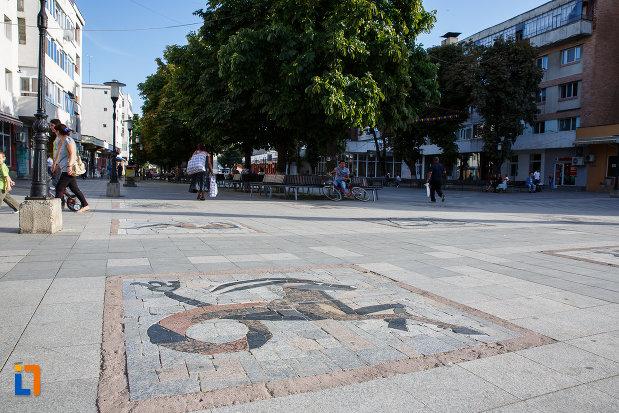 mozaicuri-din-orasul-mizil-judetul-prahova.jpg