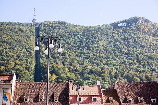munti-langa-orasul-brasov-judetul-brasov.jpg