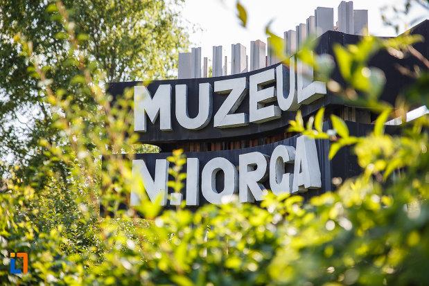 muzeu-din-orasul-valenii-de-munte-judetul-prahova.jpg