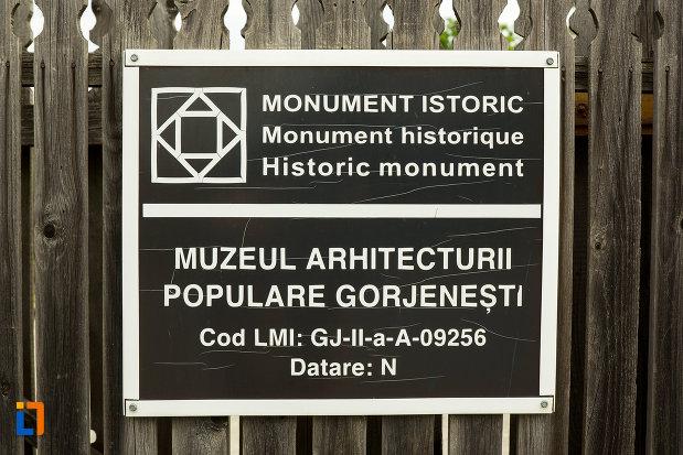 muzeul-arhitecturii-populare-din-curtisoara-judetul-gorj-monument-istoric.jpg