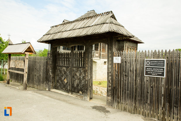muzeul-arhitecturii-populare-din-curtisoara-judetul-gorj.jpg