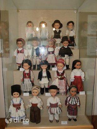 muzeul-breslelor.jpg