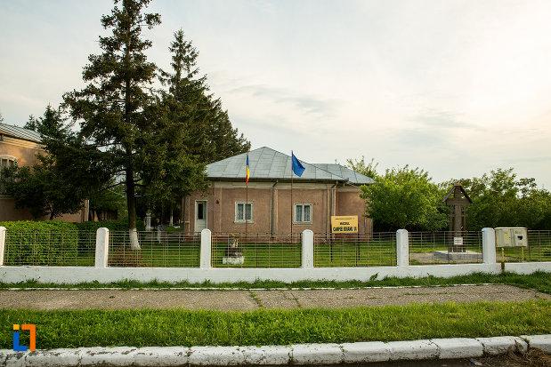 muzeul-campiei-boianului-din-draganesti-olt-judetul-olt.jpg