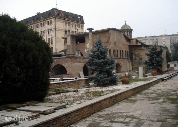 muzeul-curtea-veche.jpg
