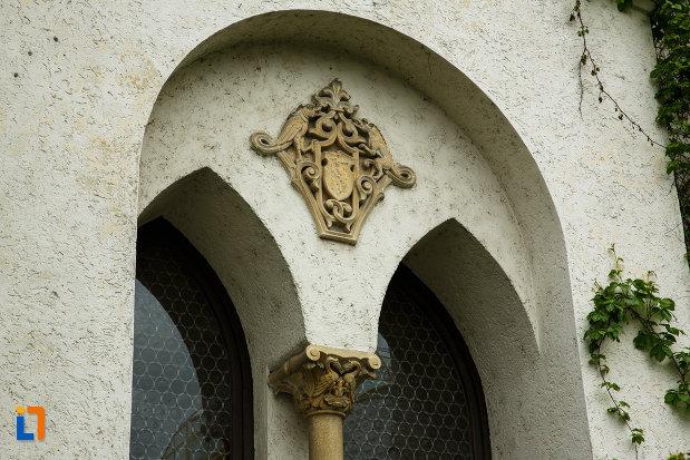 muzeul-de-arta-casa-simian-din-ramnicu-valcea-judetul-valcea-detaliu-arhitectonic.jpg