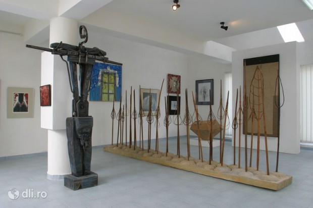 muzeul-de-arta-comparata-din-sangeorz-bai.jpg