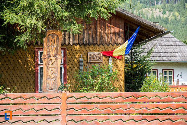 muzeul-de-arta-etnografica-ioan-gramada-din-campulung-moldovenesc-judetul-suceava.jpg