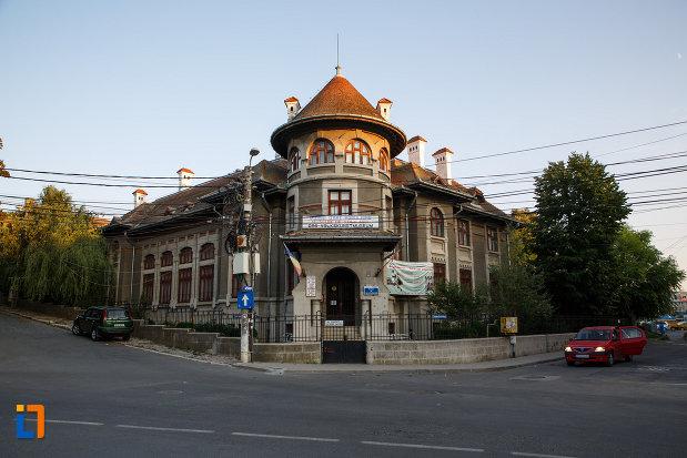 muzeul-de-arta-populara-din-tulcea-judetul-tulcea.jpg