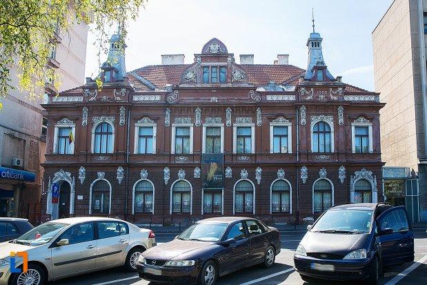 muzeul-de-arta-si-muzeul-de-etnografie-din-brasov-judetul-brasov.jpg