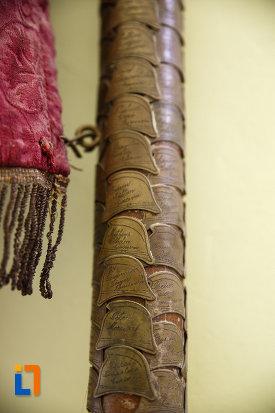 muzeul-de-etnografie-si-arta-populara-din-ciacova-judetul-timis-detalii-de-pe-bat.jpg