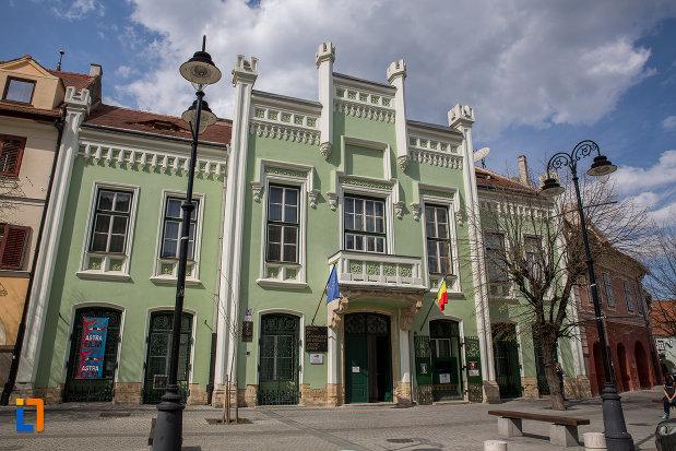 muzeul-de-etnogtrafie-universala-franz-binder-din-sibiu-judetul-sibiu.jpg