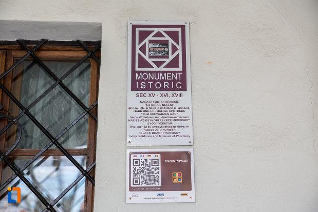 muzeul-de-istorie-a-farmaciei-din-sibiu-judetul-sibiu-monumnet-istoric.jpg