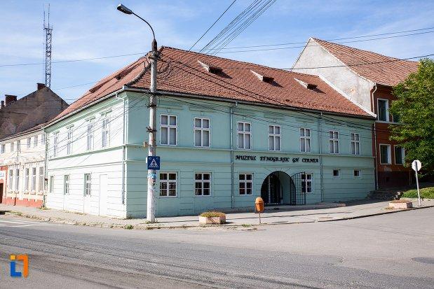 muzeul-etnografic-gheorghe-cernea-din-rupea-judetul-brasov.jpg