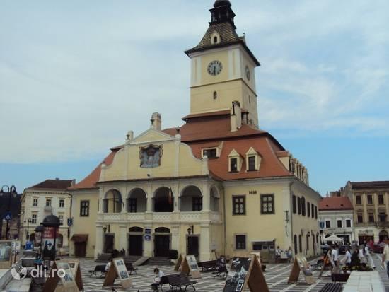 muzeul-judetean-de-istorie-din-brasov.jpg
