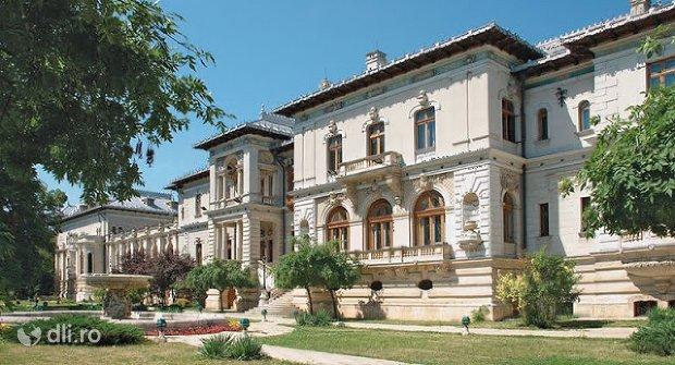 muzeul-literaturii-romane-din-iasi.jpg