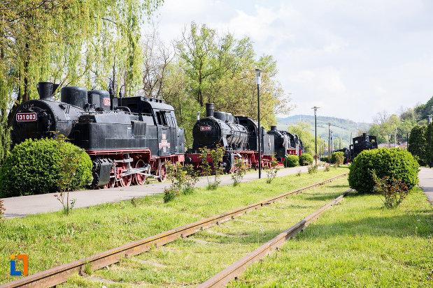 muzeul-locomotivelor-cu-aburi-din-resita-judetul-caras-severin.jpg