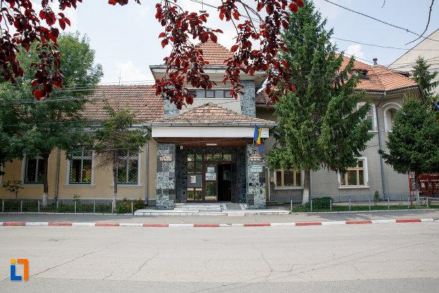 muzeul-municipal-de-istorie-din-rosiori-de-vede-judetul-teleorman.jpg