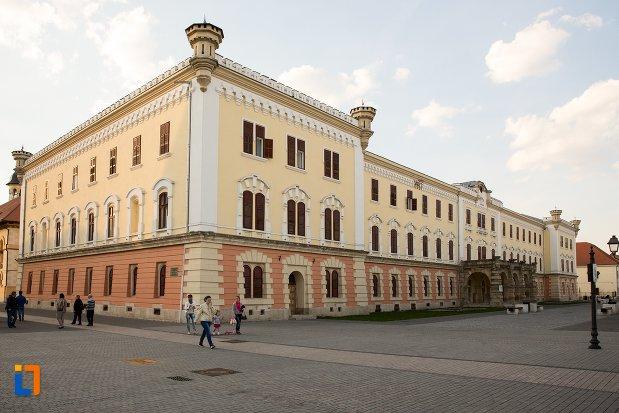 muzeul-national-al-unirii-din-alba-iulia-judetul-alba.jpg