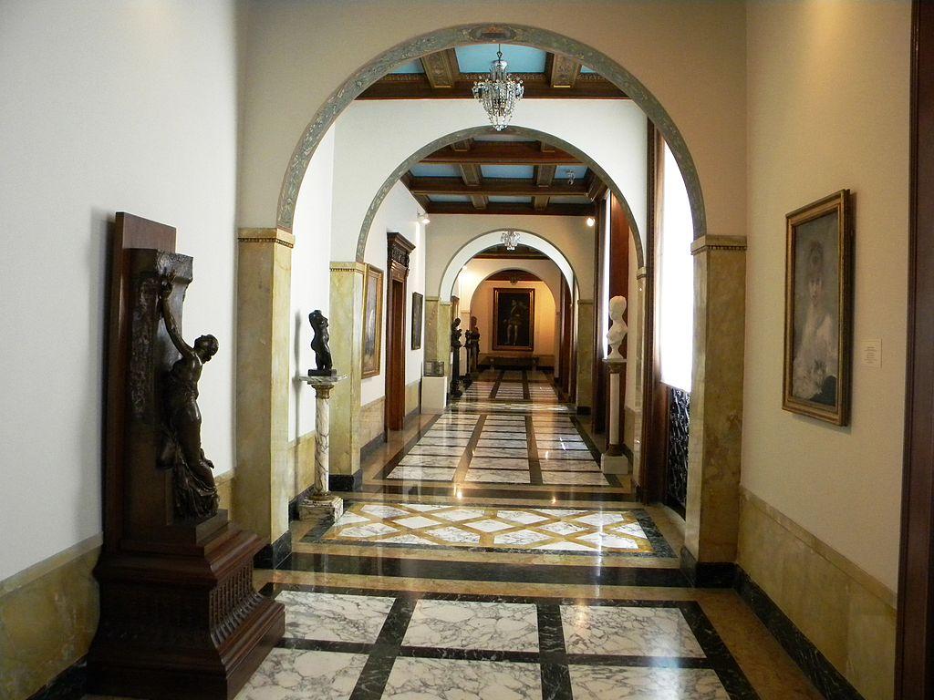muzeul-national-de-arta-al-romaniei.jpg interior122232