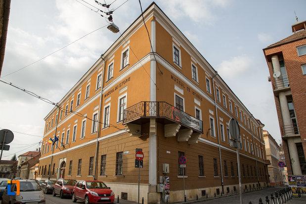 muzeul-national-de-istorie-al-transilvaniei-din-cluj-napoca-judetul-cluj.jpg