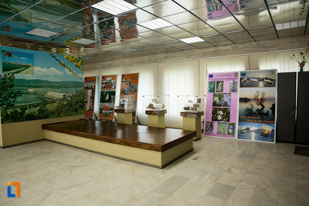 muzeul-regiunii-portilor-de-fier-din-drobeta-turnu-severin-judetul-mehedinti.jpg