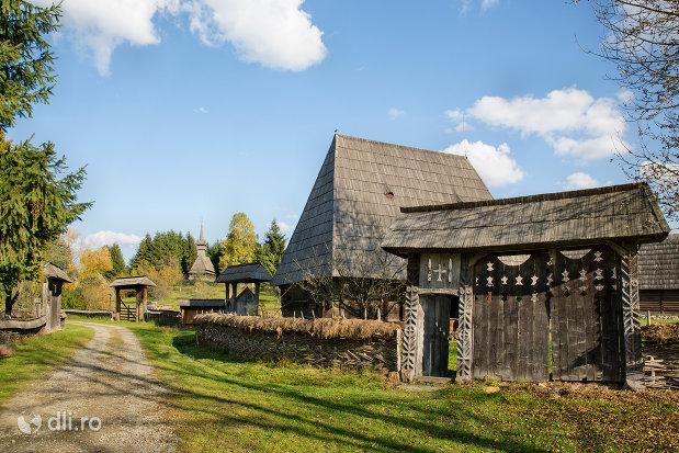 muzeul-satului-din-sighetu-marmatiei-judetul-maramures.jpg