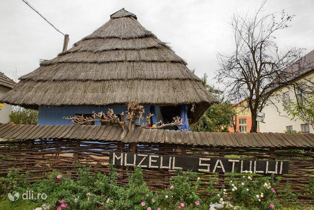 muzeul-satului-din-tautii-magheraus-judetul-maramures.jpg