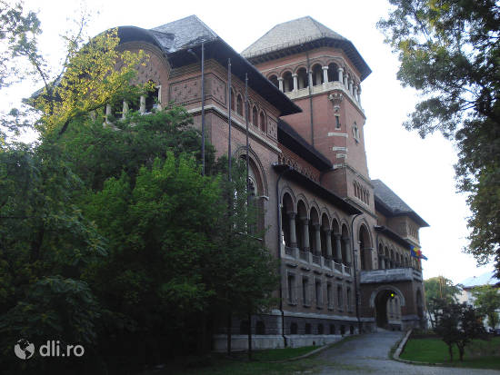 muzeul-taranului-roman.jpg