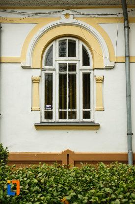 muzeul-vrancei-casa-stefanescu-din-focsani-judetul-vrancea-detalii-arhitectonice.jpg
