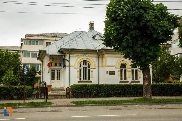 muzeul-vrancei-casa-stefanescu-din-focsani-judetul-vrancea.jpg