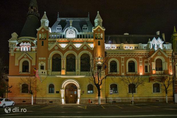 noaptea-palatul-episcopiei-greco-catolice-din-oradea-judetul-bihor.jpg