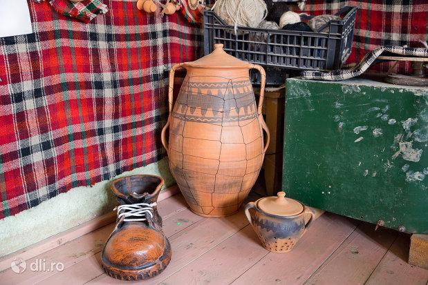 obicte-traditionale-de-la-ceramica-sacel-judetul-maramures.jpg