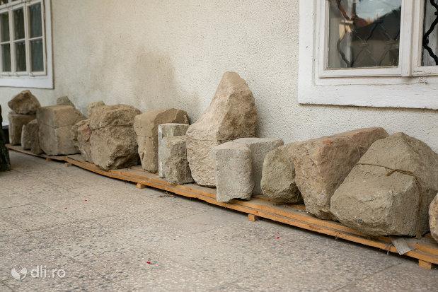 obiecte-arheologice-din-muzeul-de-istorie-si-arheologie-din-baia-mare-judetul-maramures.jpg