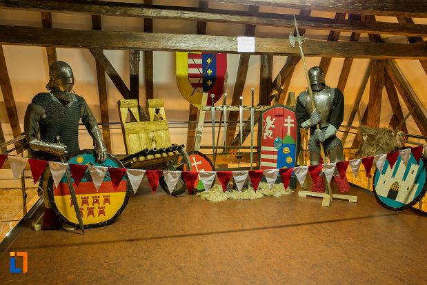 obiecte-cavaleresti-bastionul-croitorilor-din-cluj-napoca-judetul-cluj.jpg