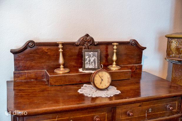 obiecte-din-casa-memoriala-elie-wiesel-din-sighetu-marmatiei-judetul-maramures.jpg