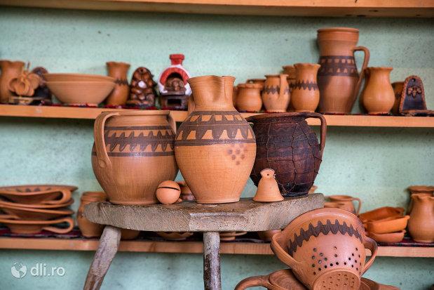 obiecte-din-ceramica-ceramica-sacel-judetul-maramures.jpg