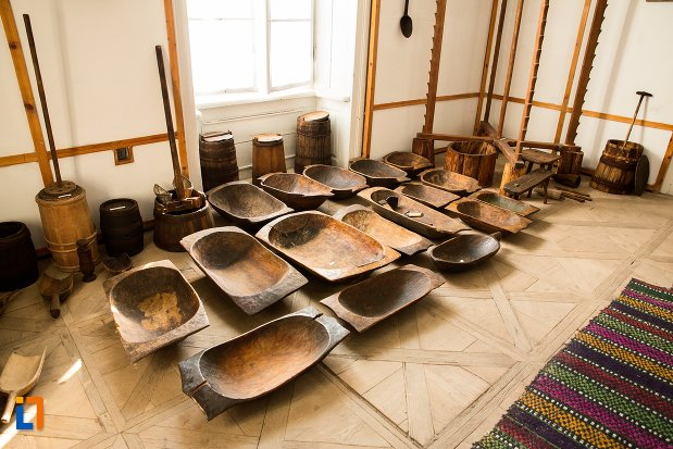 obiecte-expuse-in-conacul-theodor-bals-azi-muzeul-nordului-din-darabani-judetul-botosani.jpg