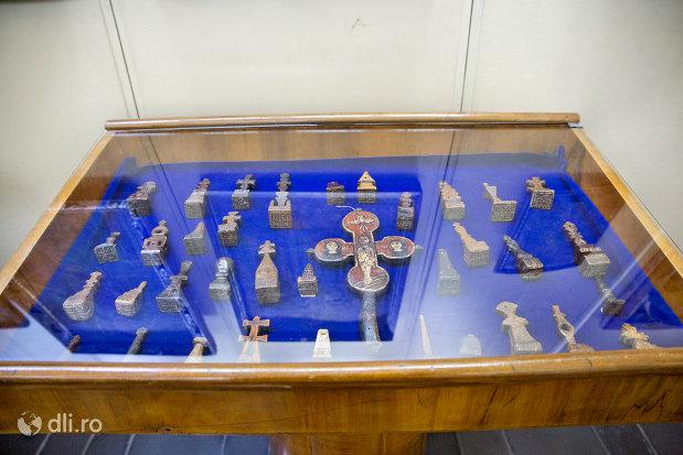 obiecte-expuse-in-muzeul-etnografic-al-maramuresului-din-sighetu-marmatiei-judetul-maramures.jpg