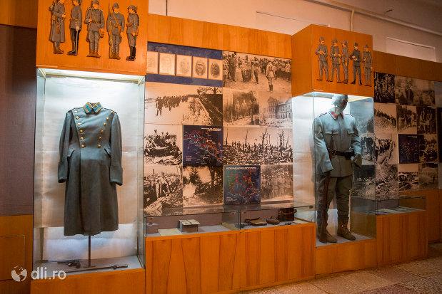 obiecte-militare-muzeul-militar-din-oradea-judetul-bihor.jpg