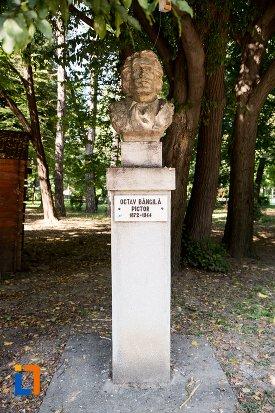 octav-bancila-grupul-statuar-din-parcul-mihai-eminescu-din-botosani-judetul-botosani.jpg