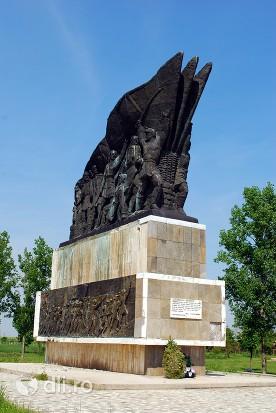 orasul-corabia-monument.jpg