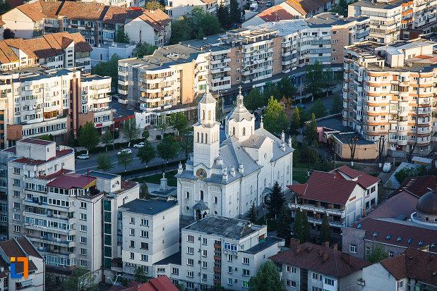 orasul-deva-judetul-hunedoara-biserica-si-alte-cladiri-centrale.jpg