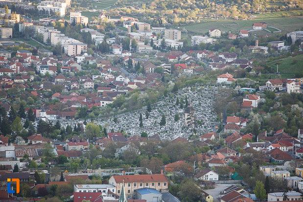 orasul-deva-judetul-hunedoara-vazut-de-sus.jpg