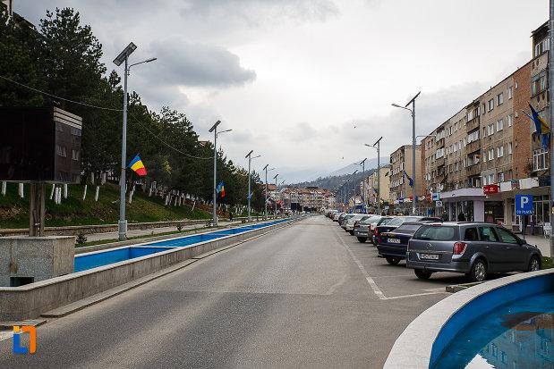 orasul-vulcan-judetul-hunedoara-zona-centrala.jpg