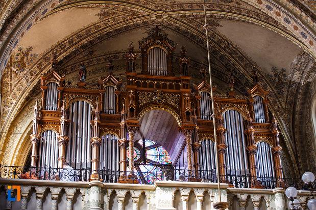 orga-aflata-in-catedrala-romano-catolica-millenium-din-timisoara-judetul-timis.jpg