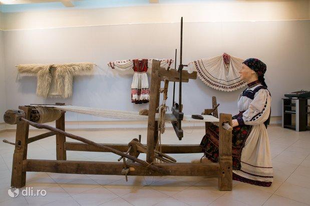 osanca-tesand-muzeul-tarii-oasului-din-negresti-oas-judetul-satu-mare.jpg
